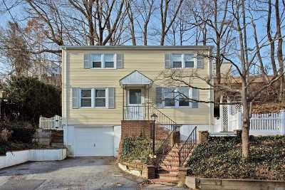 Oyster Bay Single Family Home For Sale: 36 McCouns Ln