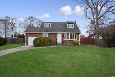 Oakdale Single Family Home For Sale: 3 Race Pl