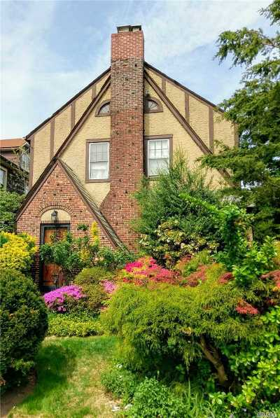 Flushing Single Family Home For Sale: 47-40 158 St