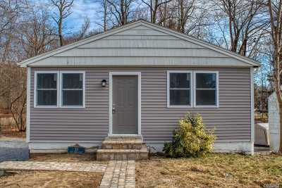 Kings Park Single Family Home For Sale: 19 W Main St
