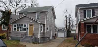 Valley Stream Single Family Home For Sale: 118 S Montgomery St