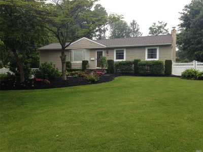 Port Jefferson Single Family Home For Sale: 124 Foxdale Ln