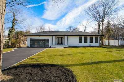 Dix Hills Single Family Home For Sale: 6 Swarthmore Ln