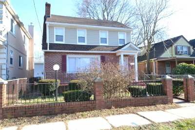 Hempstead Single Family Home For Sale: 19 Garfield Pl