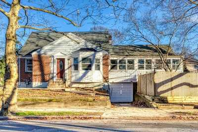 W. Hempstead Single Family Home For Sale: 885 Cleveland St
