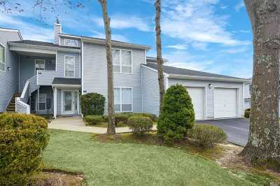 Manorville Condo/Townhouse For Sale: 55 Lakeview Dr #55
