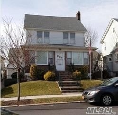 Flushing Single Family Home For Sale: 41-04 168th St
