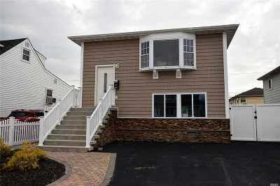 Lindenhurst Single Family Home For Sale: 451 Venetian Blvd