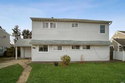 Levittown Single Family Home For Sale: 58 Abbey Ln