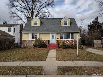 Uniondale Single Family Home For Sale: 177 Argyle Ave