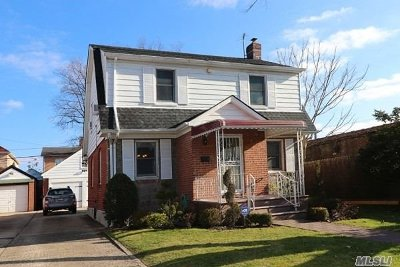 Fresh Meadows Single Family Home For Sale: 75-77 179 St