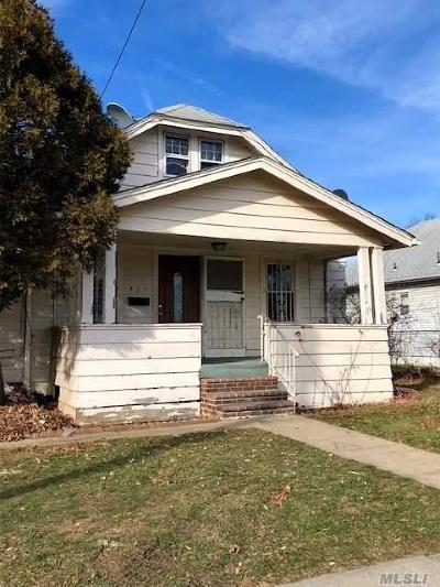 Uniondale Single Family Home For Sale: 423 Northern Pkwy