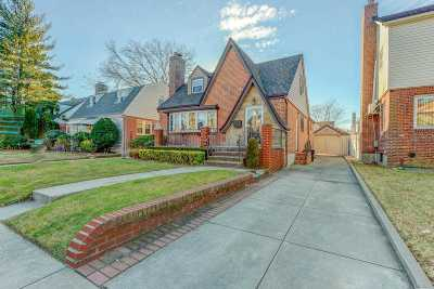 Fresh Meadows Single Family Home For Sale: 75-28 187 St