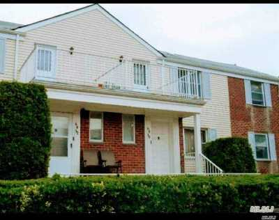 Bayside Condo/Townhouse For Sale: 6839a Cloverdale Ln
