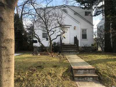 Valley Stream Single Family Home For Sale: 33 Foster Ave
