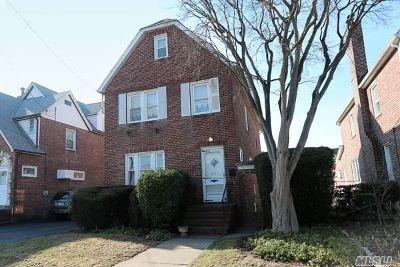 Williston Park Multi Family Home For Sale: 605 Marcellus Rd