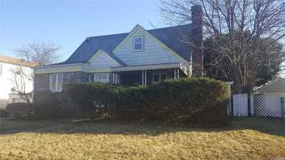 Nassau County Single Family Home For Sale: 1316 Commodore Rd
