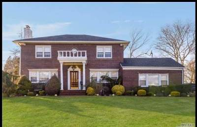 Lawrence Single Family Home For Sale: 70 Barrett Rd