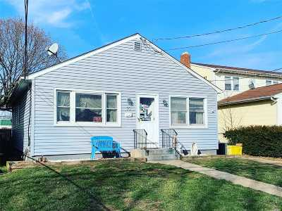 Hicksville Single Family Home For Sale: 10 Flower St