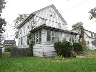 Nassau County Single Family Home For Sale: 121 Lillian Ave