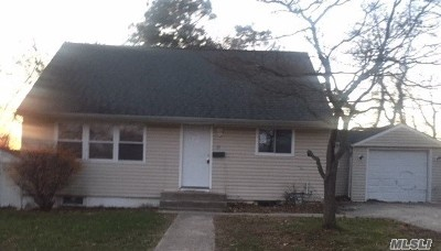 Central Islip  Single Family Home For Sale: 26 Birchgrove Rd