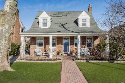 Malverne Single Family Home For Sale: 171 Wicks Ln