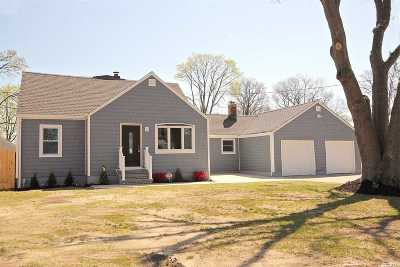 Islip Single Family Home For Sale: 2 Cleveland St