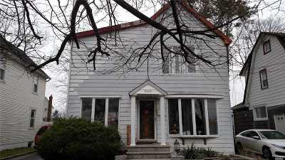 Bellmore Single Family Home For Sale: 2442 S Saint Marks Ave