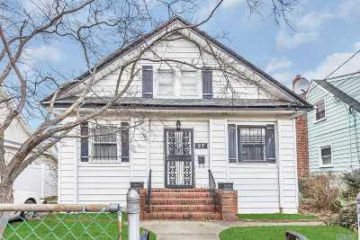 Roosevelt Single Family Home For Sale: 27 Harts Ave