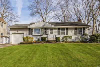 E. Northport Single Family Home For Sale: 16 Meadow Haven Ln