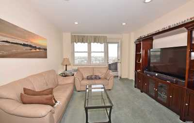 Long Beach NY Co-op For Sale: $335,000