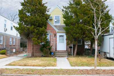 Fresh Meadows Single Family Home For Sale: 56-17 187th St