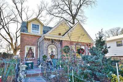 Jamaica Estates Single Family Home For Sale: 186-16 Henley Rd