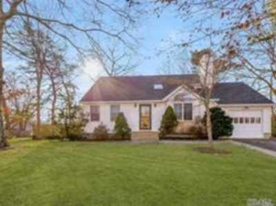 East Moriches Single Family Home For Sale: 18 Debragga Ave