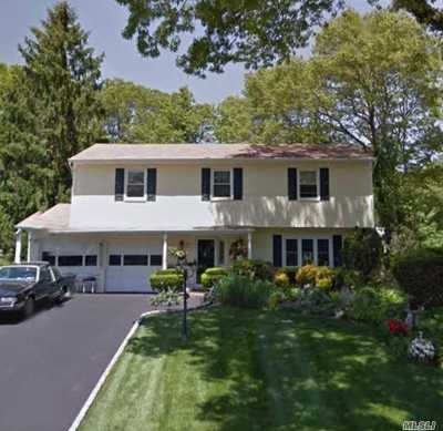 Hauppauge Single Family Home For Sale: 10 Maureen Dr
