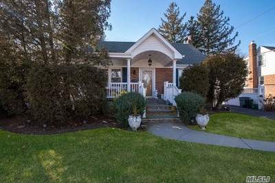 East Meadow Single Family Home For Sale: 2350 Jefferson St