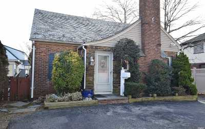 Rockville Centre NY Single Family Home For Sale: $449,000