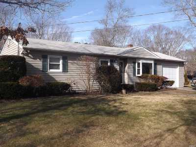 Hampton Bays Single Family Home For Sale: 56 Homewood Dr