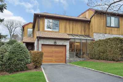 Roslyn Condo/Townhouse For Sale: 135 The Crescent