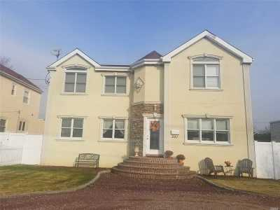 Merrick Single Family Home For Sale: 221 Frankel Blvd