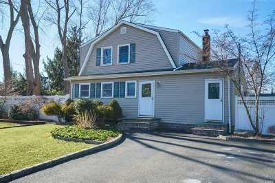 S. Setauket Single Family Home For Sale: 32 Bellwood Ave