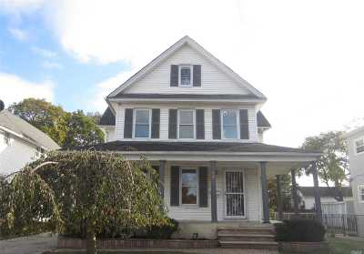 Hempstead Single Family Home For Sale: 16 Thorne Ave