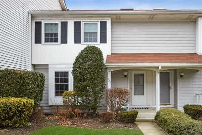 Syosset Condo/Townhouse For Sale: 183 Fen Way