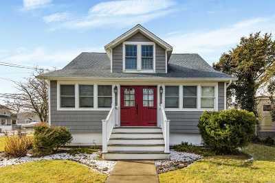 Islip Single Family Home For Sale: 28 Wilson Blvd