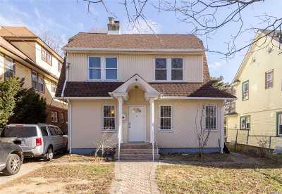 Hempstead Single Family Home For Sale: 314 Washinton Street