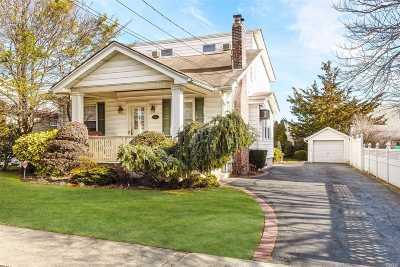 Lynbrook Single Family Home For Sale: 48 Harding Ave
