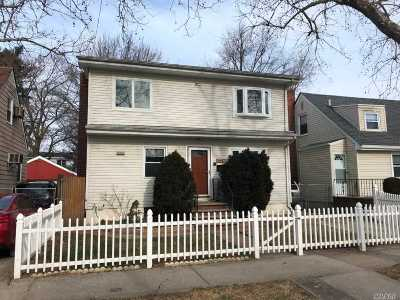 Fresh Meadows Single Family Home For Sale: 164-75 E Underhill Avenue