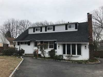 Bay Shore Single Family Home For Sale: 6 Krause St