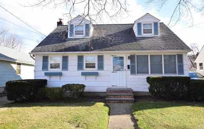 Lynbrook Single Family Home For Sale: 52 Marshall Ave
