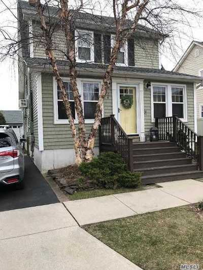 Massapequa Single Family Home For Sale: 26 Hollywood Ave